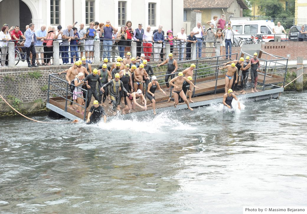 Naviglio Grande nuotatori